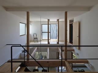 Jardin d'hiver de style  par 岩本賀伴建築設計事務所