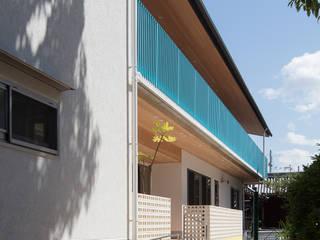 願正会鶴見学園保育園: 乗松得博設計事務所が手掛けたテラス・ベランダです。