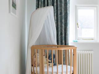 East London Edwardian House Klassische Kinderzimmer von Imperfect Interiors Klassisch