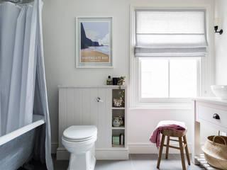 Salle de bains de style  par Imperfect Interiors,