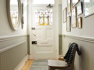 Couloir et hall d'entrée de style  par Imperfect Interiors,