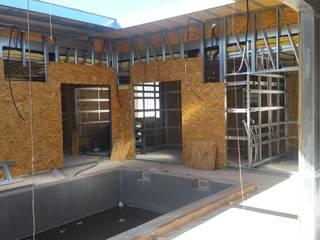 VIVIENDA UNIFAMILIAR EN CONSTRUCCIÓN MADRID Casas de estilo moderno de AQ ARQUITECTURA Moderno