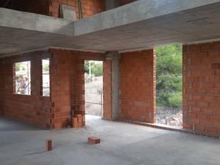 VIVIENDA UNIFAMILIAR EN CONSTRUCCIÓN EN VALENCIA Casas de estilo moderno de AQ ARQUITECTURA Moderno