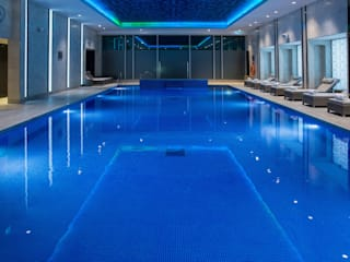 Award Winning Pool and Spa at InterContinental London - The 02 de London Swimming Pool Company Moderno