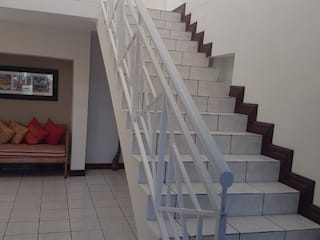 de estilo  por PTA Builders And Renovators,