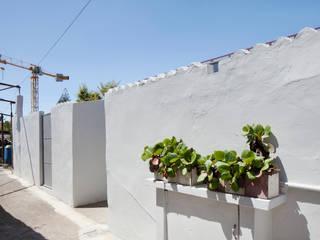 Garden House: Casas modernas por Contexto ®