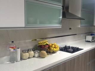 Cocinas modernas de YR Solutions Moderno