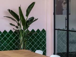 Kultivate:  Studeerkamer/kantoor door Molitli Interieurmakers