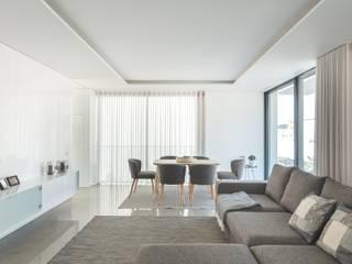 Ruang Keluarga by Raulino Silva Arquitecto Unip. Lda