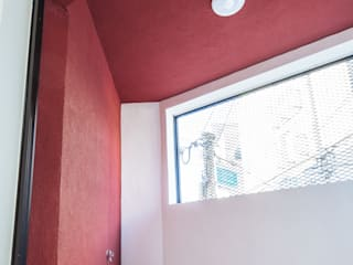 Moderner Balkon, Veranda & Terrasse von AAPA건축사사무소 Modern