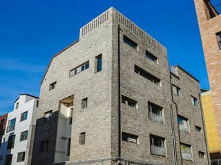 de AAPA건축사사무소 Moderno