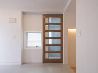 AAPA건축사사무소 Puertas modernas