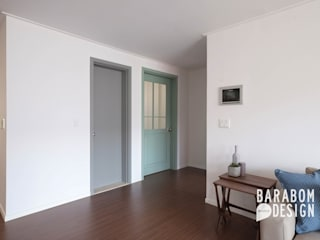 용인 수지구 동천동 수진마을 26평 인테리어: 바라봄디자인의  거실