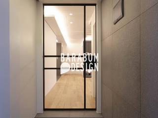 서초동 한신 49평 인테리어: 바라봄디자인의  복도 & 현관