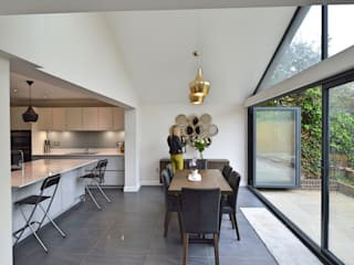 Kingston KT2 | Roof and kitchen house extension Eclectic style dining room by GOAStudio | London residential architecture Eclectic