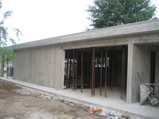 Ampliamento garage: Garage/Rimessa in stile  di Architetti Baggio