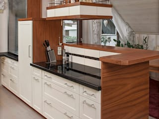 Bau- und Möbelschreinerei Mihm GmbH & Co. KG Built-in kitchens Wood