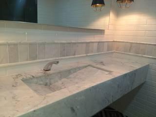 Remodelacion baño clásico: Baños de estilo  por DE PIEDRA EN PIEDRA