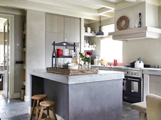 Country style kitchen by Pure & Original Country