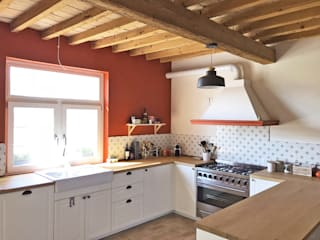 Rustic style kitchen by Architetto Luigi Pizzuti Rustic