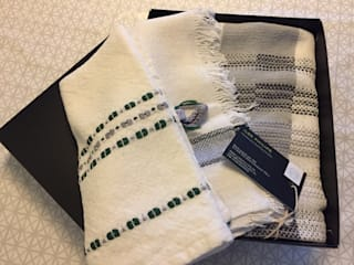 Handwoven Teatowels 2:   door ilsephilips, Scandinavisch