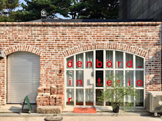 Office buildings by 덴보드, Modern