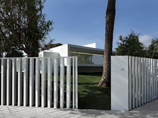"KRION in the minimalist ""Breeze House"" by Fran Silvestre Arquitectos 모던스타일 주택 by KRION® Porcelanosa Solid Surface 모던"