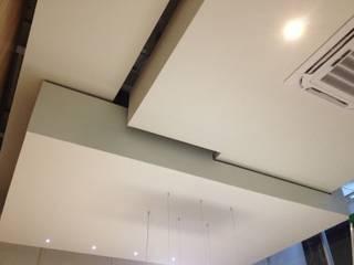 C113 / Oficinas: Estudios y oficinas de estilo  por RM2 / Taller de arquitectura