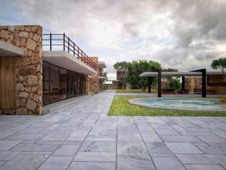 Modern houses by Speranto Modern