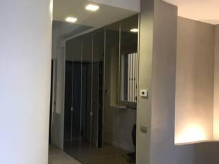 Milano_17 Ingresso, Corridoio & Scale in stile moderno di cubohome Moderno