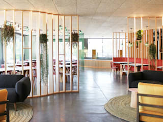 Salas de jantar  por YNOT STUDIO by Jaime de Pablo-Romero