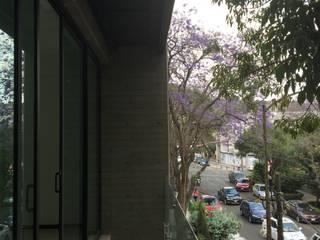 Balcón: Terrazas de estilo  por BIM Arquitectos S.A. de C.V.