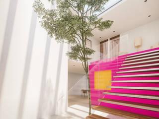 Acceso: Pasillos y recibidores de estilo  por Ki-Wi