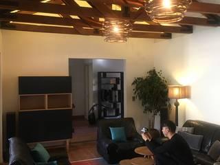 Ambientación de Living Familiar en Chicureo por Kaa Interior: Livings de estilo  por Kaa Interior | Arquitectura de Interior | Santiago,