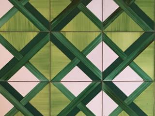 Attico a Grottaferrata: Pavimento in stile  di Zanzotti Design,