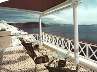 TOLDOS CLOT, S.L. Balconies, verandas & terracesAccessories & decoration