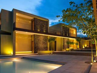 NOAH Proyectos SAS Casas unifamilares Hormigón Ámbar/Dorado