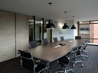 NOAH Proyectos SAS Modern style study/office Wood Brown
