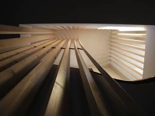 Casa de Campo Lindo: Escadas  por SUCRRE atelier