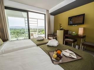 Projecto de Hotelaria IN:   por Seiva,Moderno