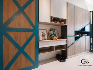 Corridor & hallway by 勁懷設計, Minimalist