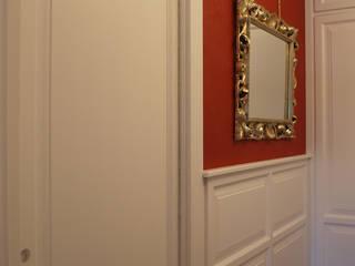 Appartamento a Roma: Ingresso & Corridoio in stile  di Zanzotti Design,