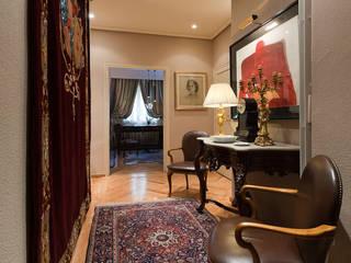 Pancho R. Ochoa Interiorismo Corridor, hallway & stairsAccessories & decoration Copper/Bronze/Brass Amber/Gold
