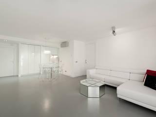 Pancho R. Ochoa Interiorismo Living room Wood White