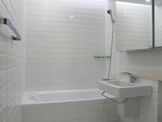 homify Bagno moderno Bianco