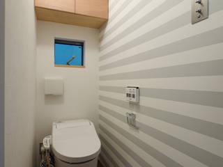 一級建築士事務所 Coo Planning Minimalist bathroom Solid Wood Transparent