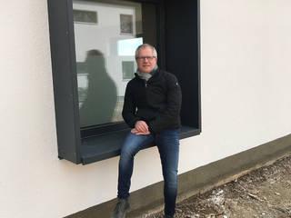 Neubau Einfamilienhaus, KFW 40:  Holzfenster von Architekturbüro Pongratz