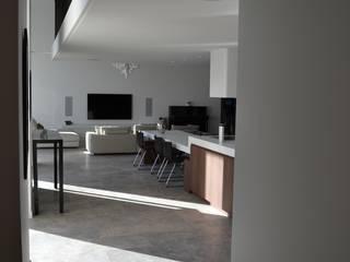 REHABILITATION DE LUXE Salon moderne par JOHAN RIPERT ARCHITECTE Moderne