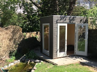 Contemporary Garden Office Garden Affairs Ltd Studio moderno Legno Grigio