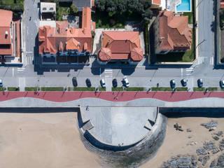 by MJARC - Arquitectos Associados, lda Сучасний